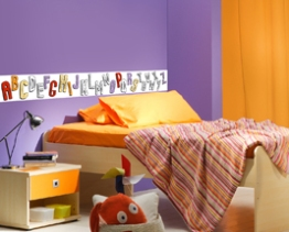 http://www.wallsweethome.fr/fr/stickers-enfant/stickers-ludiques/coloriage-enfant-alphabet-frise-adhesive-a-colorier/