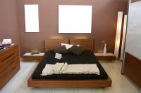 Un sol blanc pour donner l'impression de volume à la chambre