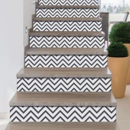 Personnalisation des contremarches d'escaleir avec stickers chevrons fins gris
